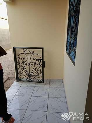 Chambre Moderne Entrée Terre Rouge | Biyem-Assi | Jumia Deals