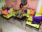 Salon en Fer Forgé avec des Couleurs Chatoyantes - Cameroun