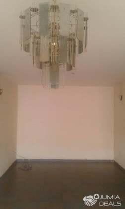 Appartement Moderne De 02chambres02toilettes Avec Baignoire